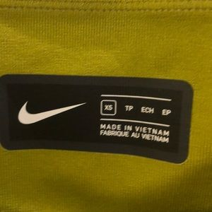Nike Pants - Nike crop green/yellow legging sz xs 69949